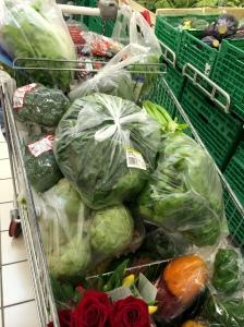 Sebze suyu fanatiğinin alışveriş arabası böyle bir şey!!